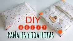 En este tutorial vamos a hacer una bolsa para poder llevar de una sola vez las toallitas y los pañales de los bebes. Es un complemento perfecto para llevar e...