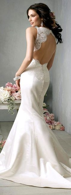 Elegant Wedding Dress! This dress is beautiful!