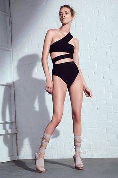 Hervé Léger by Max Azria Spring 2017 Ready-to-Wear Collection Photos - Vogue