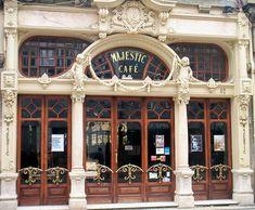 'Majestic Café' in Porto Rua Santa Catarina Oporto, Portugal Art Nouveau, Art Deco, Belle Epoque, Portugal Porto, Portugal Vacation, Restaurants, Most Beautiful, Beautiful Places, Dear World