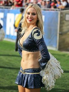 Hottest Super Bowl Cheerleaders - Page 9 of 28 - Djuff Super Bowl Cheerleaders, Dallas Cheerleaders, Hottest Nfl Cheerleaders, Sixpack Workout, Cheerleading Pictures, College Cheerleading, Professional Cheerleaders, Cheerleader Costume, Female Athletes