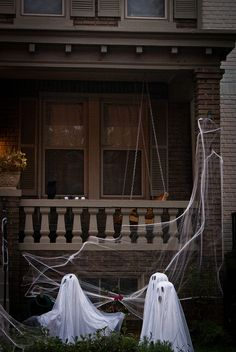 Halloween party / outdoor / haunted house decor: Ghosts