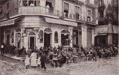 Als baixos de l'Hotel Suizo de la Plaça de l'Àngel hi havia un bar molt famós per les seves sodes, el Riche Bar. La seva terrassa estava sempre plena tal com demostra aquesta fotografia publicitària de l'any 1914, fa ara 100 anys.