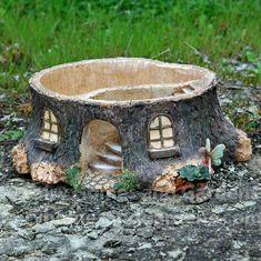 25 Cute DIY Fairy Furniture and Accessories For an Adorable Fairy Garden Diy Jardim, Fairy Tree, Diy Bird Feeder, Fairy Furniture, Home Vegetable Garden, Ideias Diy, Fairy Garden Houses, Miniature Fairy Gardens, Garden Planters