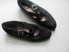 vintage 80s women's black leather slip on by dirtybirdiesvintage, $32.00
