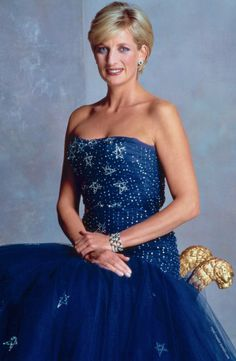 royalroaster: Diana in the Murray Arbeid star sequin tulle gown that she auctioned in 1997