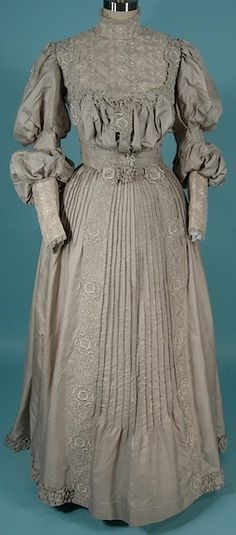 1904 gray silk and cotton two-piece afternoon dress.