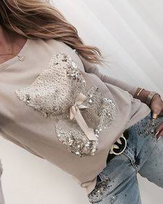 Bear Pattern Sequins Bowknot Round Neck Long Sleeve T-shirt Women's Online Shopping Offering Huge Discounts on Dresses, Lingerie , Jumpsuits , Swimwear, Tops and More. Trend Fashion, Style Fashion, Outfit Trends, Jumpsuit With Sleeves, Womens Fashion Online, Printed Sweatshirts, Casual T Shirts, Pattern Fashion, Long Sleeve Shirts
