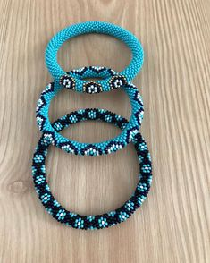 Construction of shuttle lace 11 - Ideas & Thoughts Beaded Anklets, Beaded Necklace, Beaded Bracelets, Crochet Bracelet, Bead Crochet, Fashion Rings, Fashion Jewelry, Women Jewelry, Hanging Beads