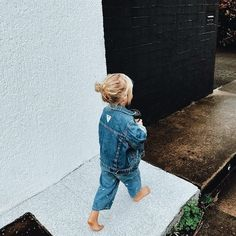 Denim on denim. Little girl walking. Such a sweet capture in the moment! Photography with kids. Cute Kids, Cute Babies, Baby Kids, Fitz Huxley, Stylish Kids, Kid Styles, Kids And Parenting, Parenting Ideas, Lego Friends
