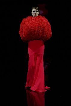 Coordinato rosso Armani con pelliccia