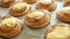 Solskinnsboller   Godt.no Viking Food, Wine Recipes, Cooking Recipes, Norwegian Food, Scandinavian Food, Breakfast Pastries, Bread Cake, Recipes From Heaven, Sweet Bread