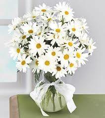 Decoración de Bodas con Flores de Margaritas. Hoy en día esta de moda proporcionar una temática exclusivo a tu matrimonio, por ello hay muchas ideas en las paginas webs. Sin embargo, tu puedes escoge