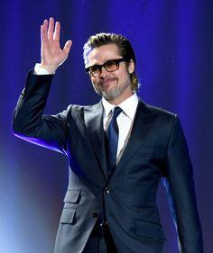 Pin for Later: Schluss mit den ruhigen Festtagen! Die Stars feiern beim Palm Springs Film Festival Brad Pitt