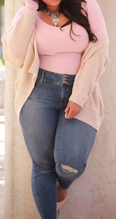 Chic Plus Sized Style Ideas for Women - curvy plussize outfits fashion Plus Size Fashion For Women, Womens Fashion For Work, Plus Size Women, Plus Size Herbst, Plus Size Dresses, Plus Size Outfits, Mode Outfits, Fashion Outfits, Ad Fashion