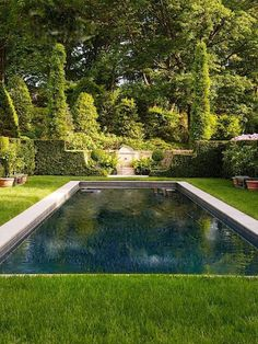 Pool Favorites – Blue and White Home