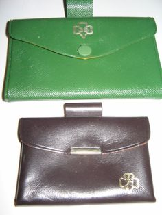 Vintage Girl Scout purses-they slipped through your uniform belt for your dues! Girl Scout Troop, Boy Scouts, Scout Leader, Childrens Purses, Girl Scouts Of America, Brownie Scouts, Meet Girls, Vintage Girls, Vintage Items
