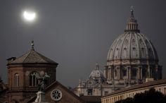 Le foto dell'eclissi di Sole da tutto il mondo - Focus.it