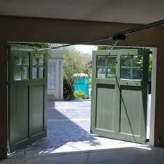 They are classic when it comes to swing out garage doors. Bear in mind about the plans for optimally working doors in your garage Swing Out Garage Doors, Sliding Garage Doors, Carriage Garage Doors, Barn Doors, Garage Room, Barn Garage, Garage Office, Garage Workshop, Dream Garage