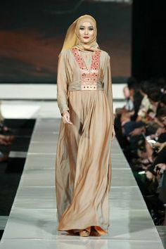 #hijab  hijab / Arab fashion. Muslim / muslimah / ladies / women / styles fashion / fashionista. Love!