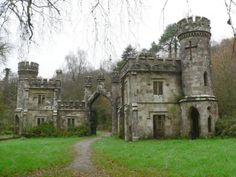 Abandoned castle in Ireland Ballysaggartmore Towers Entrada Lodge,, N º. Lismore, County Waterford, # 1