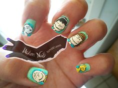 I need to get my nail artist to do this! Charlie Brown