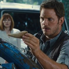 http://www.thevideographyblog.com/share/jurassic-world-dinosaurs/ 'Jurassic World' Has Fascinating Visual Effects That Make You Believe Dinosaurs Could Roam The Earth Again  The Videography Blog and one of the world's leading entertainment companies in the development, production, and marketing of motion pictures, Universal Studios, present 'Jurassic World,' starring Chris Pratt.     Can you imagine what a dinosaur looks like, moves like or...