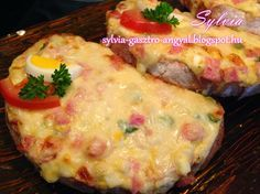 Sylvia Gasztro Angyal: Sonkás - főtt tojásos melegszendvics finomság Ketogenic Recipes, Meat Recipes, Hungarian Recipes, Wrap Sandwiches, Finger Foods, Breakfast Recipes, Food And Drink, Yummy Food, Baking