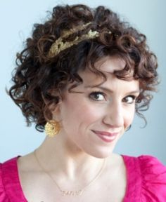 short curly hairstyles for women - Google Search