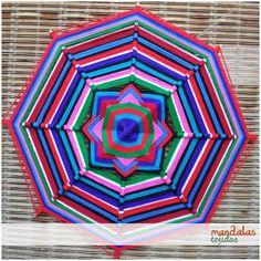 Regalar un Mandala es obsequiar amor, armonía, bienestar y mucha paz porque aclaran nuestros sentimientos y pensamientos.  #mandalas #mandalatejido #mandalastejidos #artehuichol #ojodedios #terapia #relajo #hechoamano #arte #tejido #lanas #colores #meditar #meditacion #amor #paz #regalo
