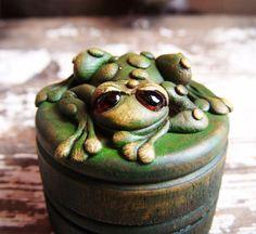 Custom frog ring box by feythcrafts on Etsy, $25.00