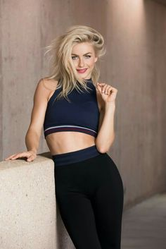Julianne Hough ♥by Alwaraky♥ Beautiful Celebrities, Beautiful Actresses, Julienne Hough, Julianne Hough Hot, Blonde Actresses, Sport Fitness, Fitness Women, Mannequin, Stylish Outfits