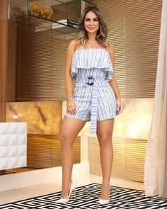 Macacão Stripes possue um shape chic and must have!  vemver  summer19   tendencia2018 eee6f6f9920d
