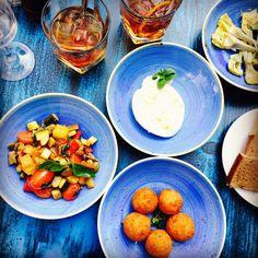 Belle table italienne chez Marcello, Paris 6.  Je recommande la caponata de légumes et la burrata à la truffe  Nice and tasty italian menu at Marcello, Paris 6th. I recommend to try the caponata and the burrata cheese with truffles  #parisianblackbook #parisfood #parisrestaurant #burrata #caponata #italianfood #lefooding #ttbon #parisblogger