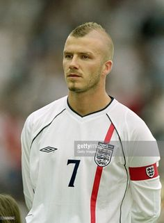 Portrait of David Beckham of England before the International Friendly against Mexico at Pride Park in Derby, England. Football Icon, Football Kits, Football Jerseys, Soccer World, World Football, International Soccer, England International, Ronaldo Free Kick, Pride Park
