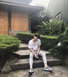 Handsome Prince, Handsome Boys, Ootd Poses, Bright Wallpaper, Boyfriend Photos, Imaginary Boyfriend, Best Photo Poses, Bright Pictures, Cute Korean Boys