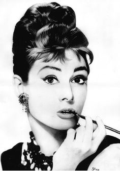 Learn these Audrey Hepburn Smoking Facts and pictures of her smoking . Our charming Audrey Hepburn was a heavy smoker indeed! Audrey Hepburn Wallpaper, Audrey Hepburn Quotes, Aubrey Hepburn, Classic Hollywood, Old Hollywood, Hollywood Style, Actrices Sexy, Tomorrow Is Another Day, Breakfast At Tiffanys