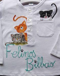 Pintura en tela #pinturaentela Fabric Paint Shirt, Paint Shirts, T Shirt Painting, Fabric Painting, Embroidery Applique, Embroidery Stitches, Newborn Girl Dresses, Fabric Paint Designs, Painted Clothes