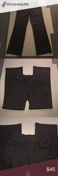 """Like New!  Under Armour Gray Storm Track Pants Like New!  Under Armour Gray Storm Track Pants.  30"""" Inseam.  100% Polyester.  Comes from a Smoke Free/Pet Free Home Under Armour Pants Track Pants & Joggers"""