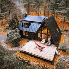 The #legendary #black #aframe #cabin in the state of #NewYork  Who else love this #woodcabin ?  #Tag your #friends !  —  #Follow…