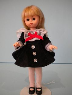 """vogue"" ginny doll"