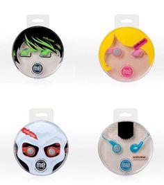 Criativas embalagens de fone de ouvido. As cartelas formam rostos super divertidos que agregam ainda mais valor ao produto.