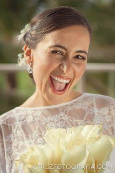 Soraya y Brian - Amor a través de internet Fotografía de #Parejas, #bodas, #Portoviejo #Manabi #Ecuador Mira más en CtrlzFotografia.com #playa #weddings #beach