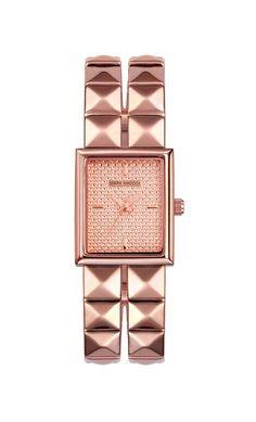 Un estilo Punk y elegante, que les parece???    Reloj tres agujas brazalete con acabado IP Rosa y cierre desplegable. Cristal mineral e impermeable 10m (1ATM)