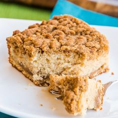 33 Easy Coffee Cake Recipes To Give your mornings a Tasty & Flavorful Start - Hike n Dip Banana Recipes Easy, Easy Cake Recipes, Dessert Recipes, Breakfast Recipes, Breakfast Bites, Breakfast Cookies, Morning Breakfast, Bread Recipes, Baking Recipes