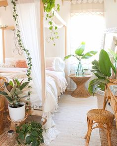 30 Gorgeous Bohemian Bedroom Decor Ideas - Gone were those days when people lived in houses with just white painted walls, regular bulbs, and marriage and family photos in standardized photo fr. Bohemian Bedroom Decor, Boho Room, Boho Teen Bedroom, Room Ideas Bedroom, Home Bedroom, Modern Bedroom, Bedroom Rustic, Bedroom Small, Minimalist Bedroom