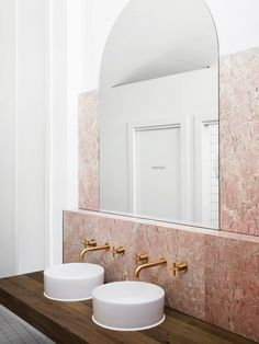 Aesthete Label love - One To Watch: Australian Interior Design Awards 2019 — Studio Gabrielle Bathrooms Remodel, Bathroom Interior, Bathroom Mirror, Modern Interior, Modern Interior Design, Australian Interior Design, Bathroom Decor, Home Remodeling, Modern Bathroom Design
