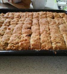 Tray Bake Recipes, Fun Baking Recipes, Easy Bread Recipes, Donut Recipes, Dessert Recipes, Cooking Recipes, Milktart Recipe, Rusk Recipe, All Bran