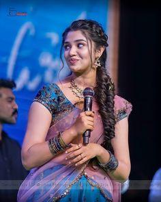 Beautiful Girl Hd Wallpaper, Beautiful Girl Photo, Beautiful Girl Indian, Beautiful Women, Most Beautiful Bollywood Actress, Beautiful Actresses, Hd Photos, Girl Photos, Hair Style Vedio