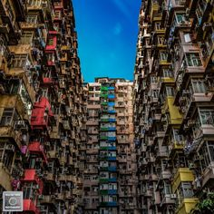 - Hong Kong - Quarry Bay  - Yick Fat Building - Beautiful but claustrophobic experience, almost seemed to be in a beehive! - Esperienza bellissima ma claustrofobica, sembrava quasi di essere dentro ad un alveare! - #DiscoverHongKong #hk #ilovehk #hkig #HKinsider #hongkonginsider #hongkong #architecture #urban #urbanlandscape #urbanjungle #concretejungle #cityscape  #instagram #photographer